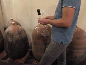 Guilhaume Martin tasting us on his amphora wines